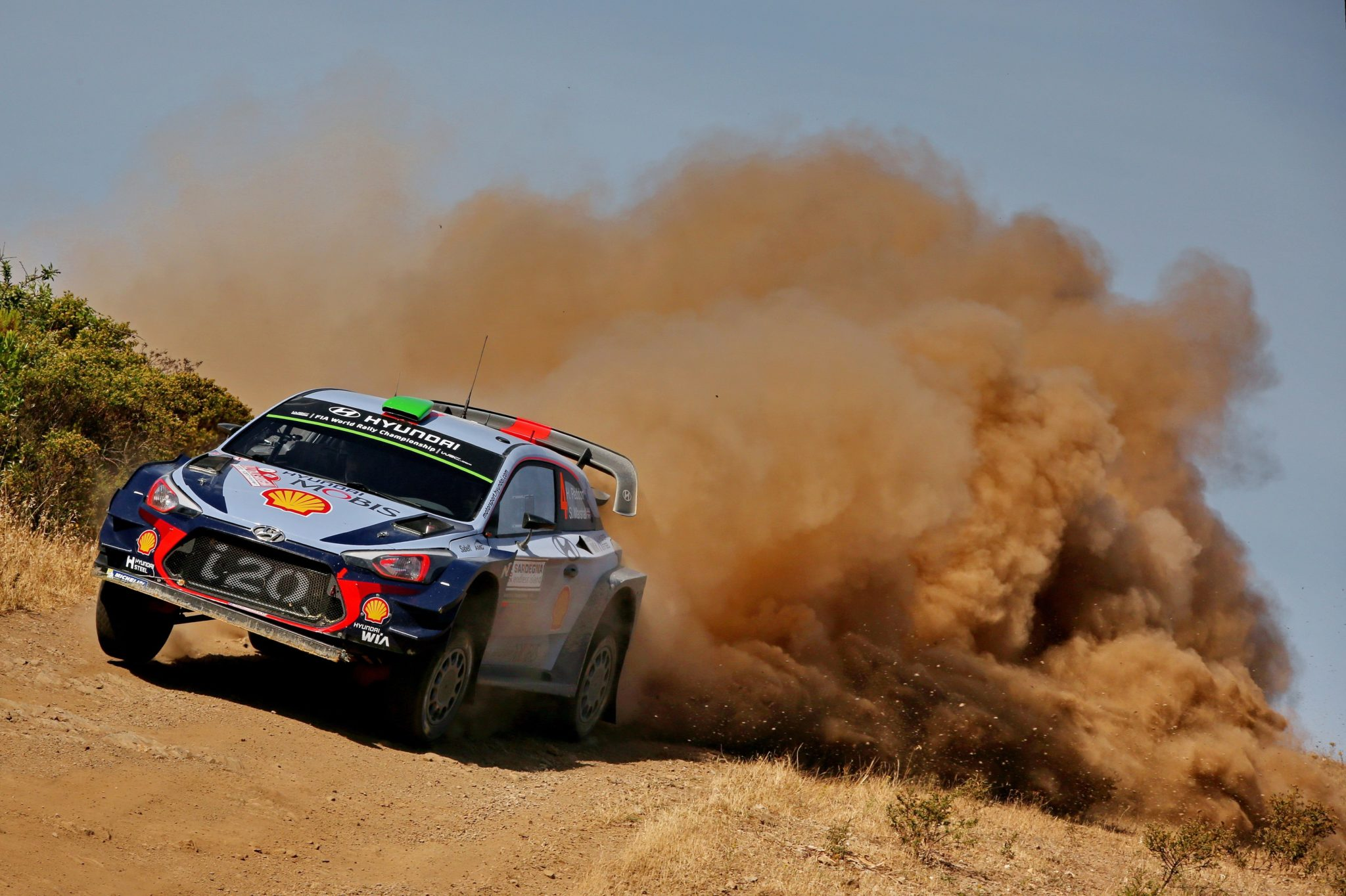 Paddon puts it all behind to take Italy lead | Kennards Hire